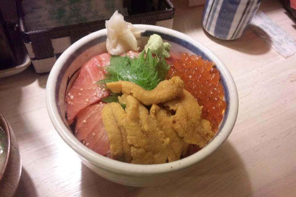 三崎市場 横浜ジョイナス店 ヨコハマ丼