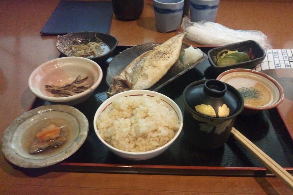 あお菜の焼き魚定食