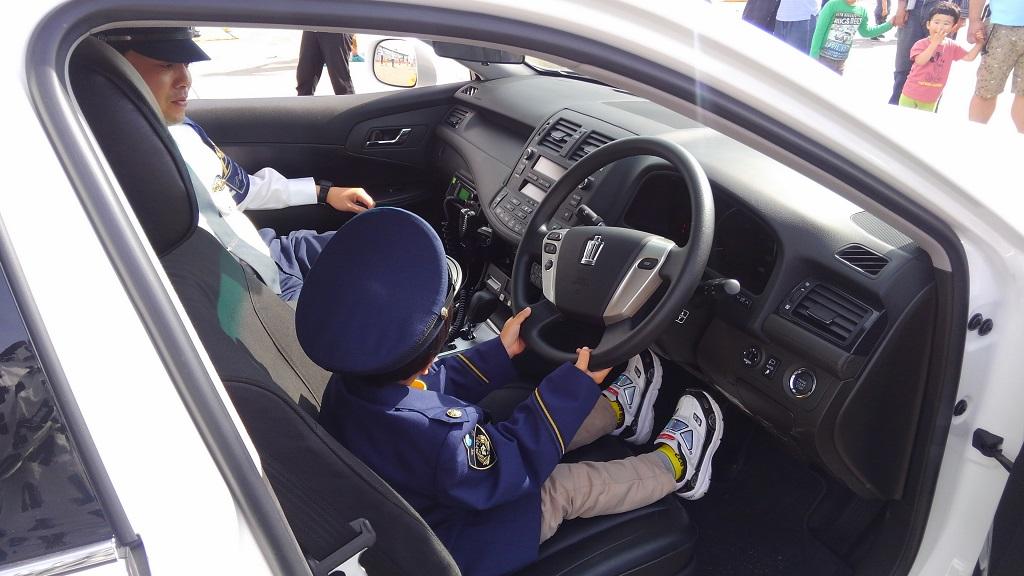 玉島ハーバーフェスティバル パトカー試乗