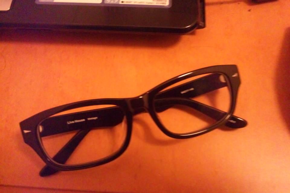 おしゃれ黒ぶちメガネ