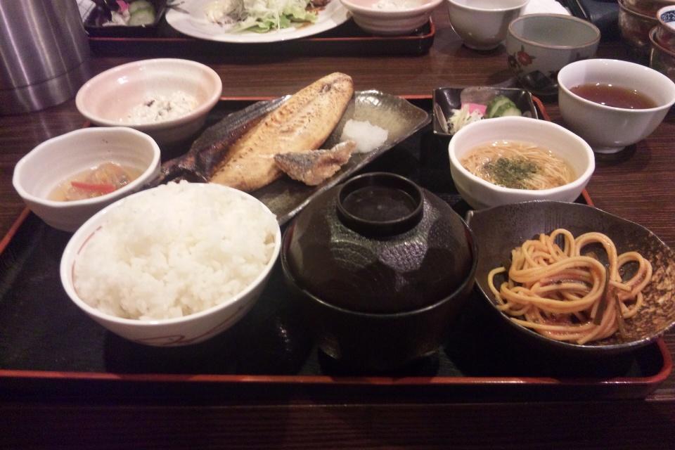 あお菜の魚定食
