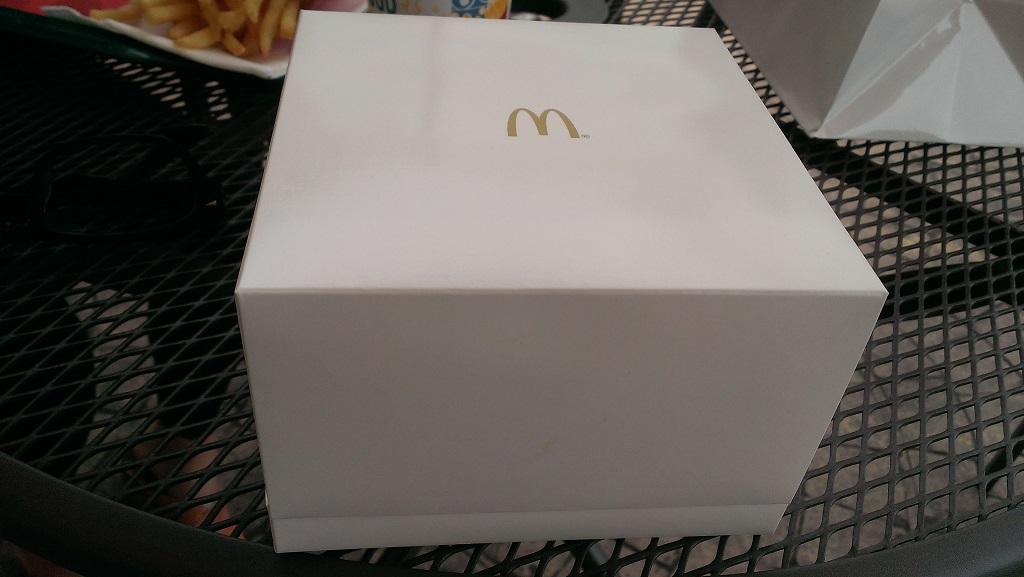 1000円マッククォーターパウンダーゴールドリングの箱