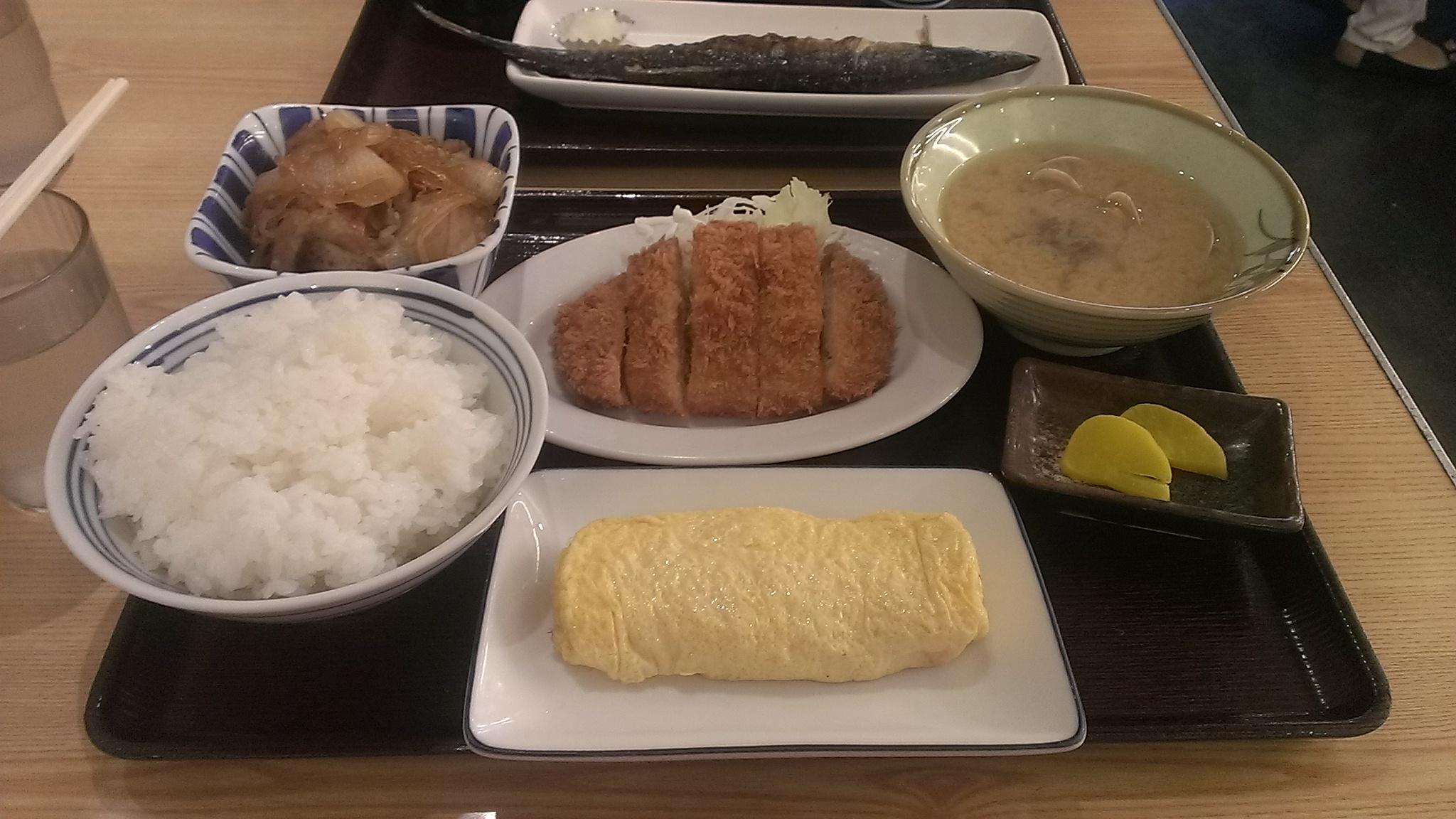 岡山表町食堂で昼ご飯